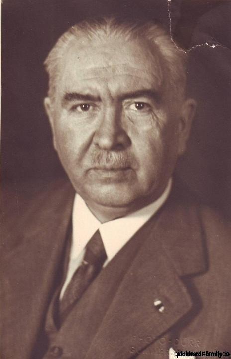 1943 Ernst Pickardt