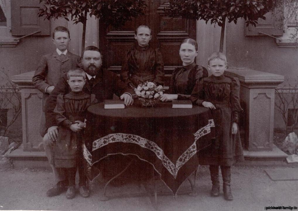 1988  Famile Ernst Pickhardt mit Frau Emile, Kinder Emmi, Ernst Adele, Helene